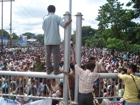 Anti dam activists protesting against big dams in Guwahati (photos by Amarjyoti Borah)