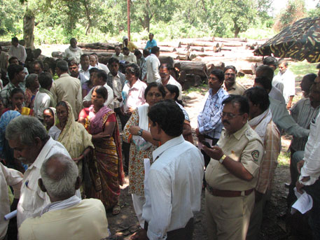JFMC members bring timber auctions to a halt at the Sindewahi forest depot