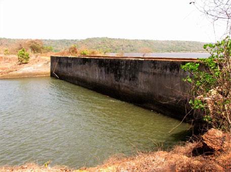 Bund constructed on Jaigad Creek near Kasari mangrove
