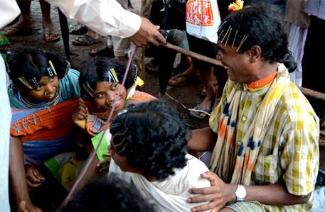 Kunakadu invokes tribal martyrs at Niyamgiri palli sabha