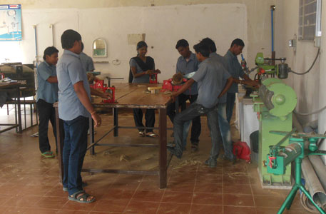 Plumbers' workshop in progress at SIPT