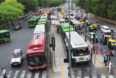 Diesel buses without particulate traps emit 600 to 2,000 times more ultrafine particles than the Indian CNG bus