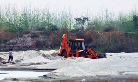 Punjab slips for sand mine, again