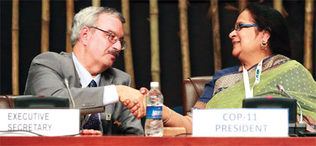 CBD executive secretary Braulio Ferreira de Souza Dias with India's environment minister Jayanthi Natarajan