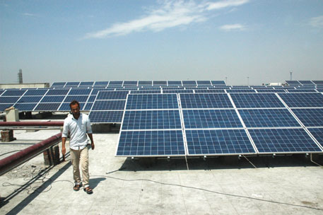 Commerce ministry may levy heavy dumping duty on solar goods