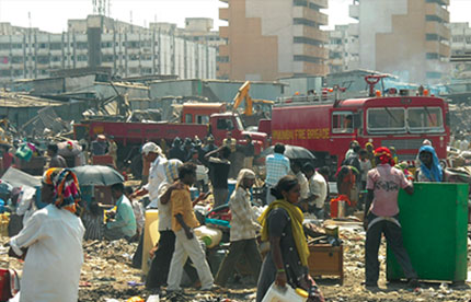 5,000 families protest slum razing