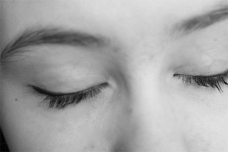 Closing your eyes boosts memory recall, says study