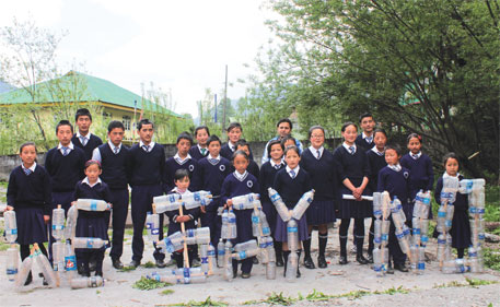 Schoolchildren in Lachen join the campaign against bottled water