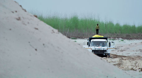 SC issues notices to Centre, states to check illegal sand mining