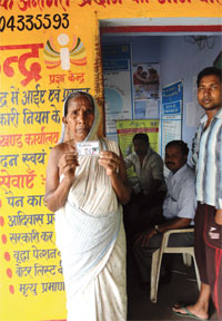Khauri Pradhan Devi of Dugdha gram panchayat in Seraikella-Kharsawan is one of the 10 people who are receiving benefits through DBT. Another 440 are waiting