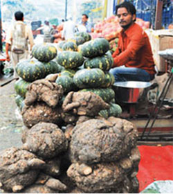 Indigenous vegetables are becoming scarce in rural markets in India (Photo by Meeta Ahlawat)