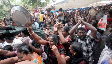 Vilappil residents force police to retreat