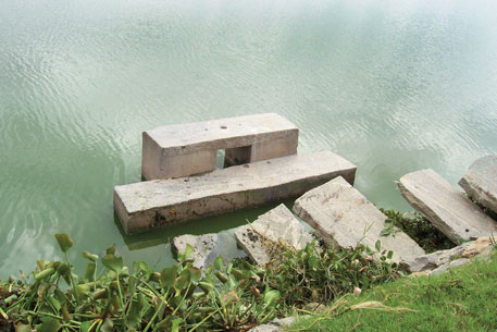 The water flow in the tanks was also regulated through a communityoperated sluice mechanism
