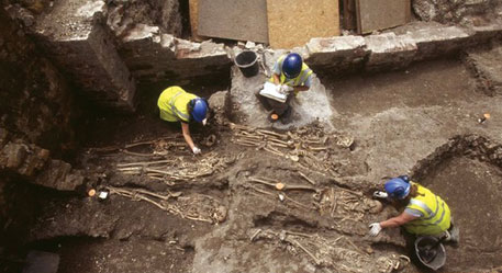 The excavation of 2006 revealed 262 burials