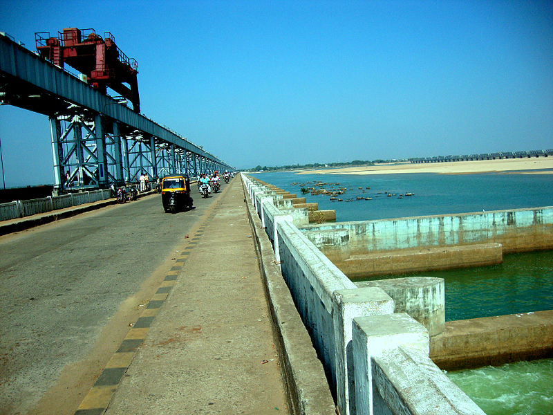 The Jobra barrage. POSCO can draw 138,000 cumecs (cubic feet per second) of water from the Mahanadi river, the water resources department of Odisha has said (Photo courtesy Wikipedia)