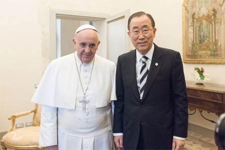 Secretary-General Ban Ki-moon meets with Pope Francis at the Vatican. UN  (Photo/Mark Garten)