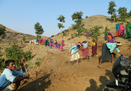 At present, there are twelve states where MGNREGA wage is lower than the fixed minimum wage of the state (Photo by Moyna)