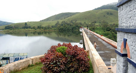 Mullaperiyar controversy swings in TN's favour
