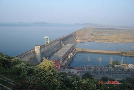 Odisha worries over safety of dams in way of Hudhud