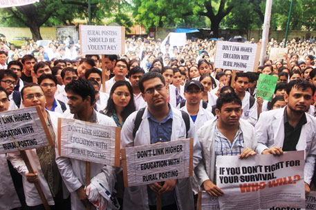 Junior doctors protest mandatory rural posting for PG admission