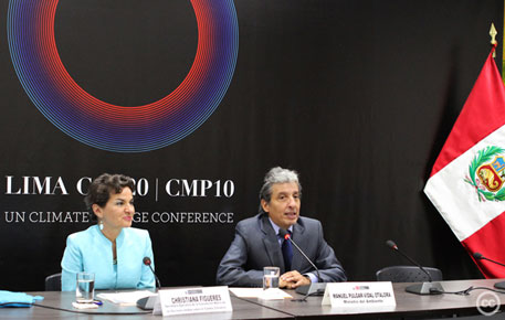 Environment minister Manuel Pulgar Vidal with UN climate chief Christiana Figueres ahead of COP20 in Lima  (Creative Commons: Ministro del Ambiente Peru, 2014)