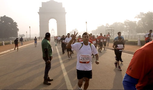 Those participating in the Delhi half marathon last November, including US embassy staff, would have inhaled almost 18 times the allowable daily dose of PM2.5 in three hours (Photo by Arnab pratim Dutta)