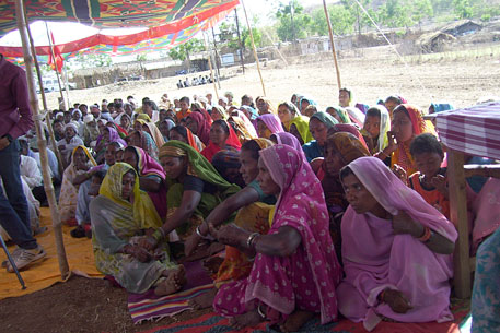 Seven Maharashtra villages protest dam