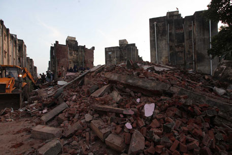 Two buildings for housing the poor collapse in Vadorara, killing six