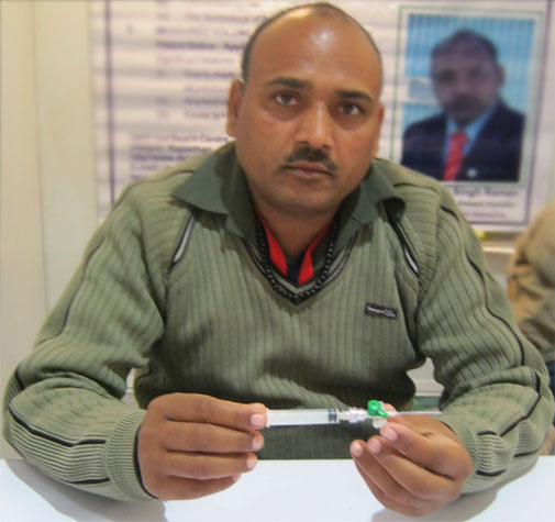 Trebhuwan Singh Raman, an innovator from Jaipur, has devised an intralock intravenous cannula, which does not allow the blood to leak out when the drip is removed. Gates Foundation representatives failed to answer his concerns over ensuring the security of the ideas that are submitted for consideration of the foundation. He left the science congress session of DBT- Bill Gates Foundation dissatisfied (photos by Vibha Varshney)