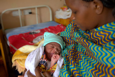 Four-month-old Posha is living with HIV infection in Southeast African nation of Malawi (Photo: UNICEF/Marinovich)