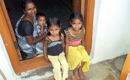 Anitha and her husband from Thogarapalli village in Medak district had to spend Rs 30,000 on food and commuting during the 26 days their daughter Shravani was hospitalised in the posh Banjara Hills in Hyderabad. Anitha would have preferred her daughter to have been treated at a less posh hospital nearer home