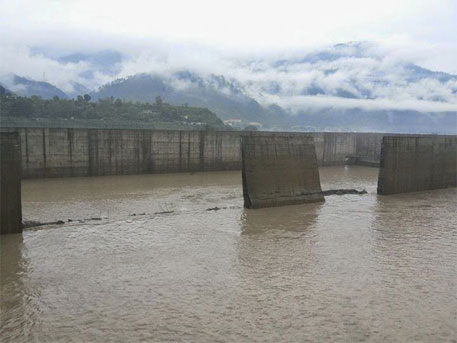 Srinagar hydroelectric project: walls of desilting basin collapse