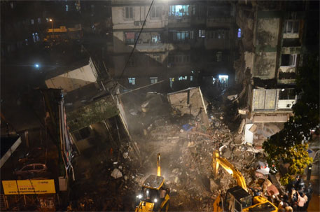 Ten dead, six injured in Mumbai building collapse