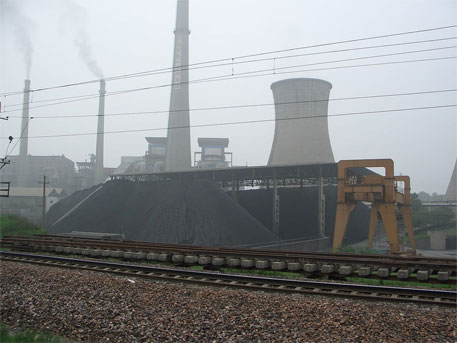 Caption: A coal power plant in China (Photo courtesy Wikipedia)