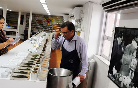A tea taster at work: changing climate is affecting the quality of tea (Photo: Sayantan Bera)
