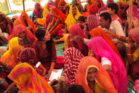 A mahila mela organized by people's organization, Mazdoor Kisan Shakti Sangathan, in Ajmer's Jawaja block to receive complaints relating to pension benefits and other welfare schemes, turned out to be a public hearing for Aadhar scheme