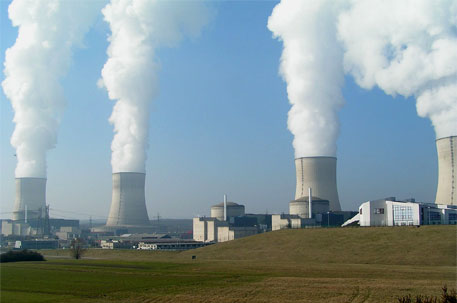 What does nuclear power cost? Old plants dispel easy answers