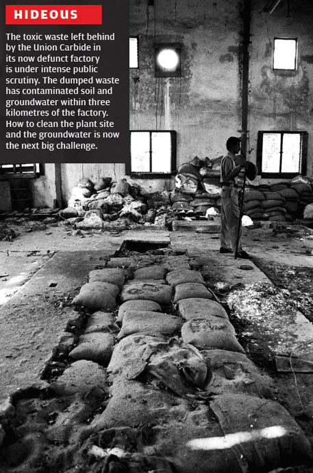 30 years of Bhopal gas tragedy: a continuing disaster