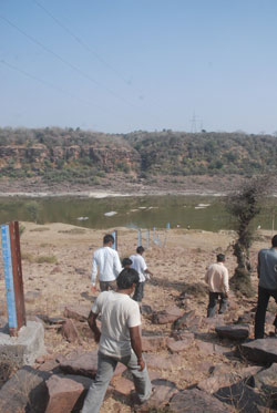 Poll-bound Rajasthan hurries with controversial Parwan dam