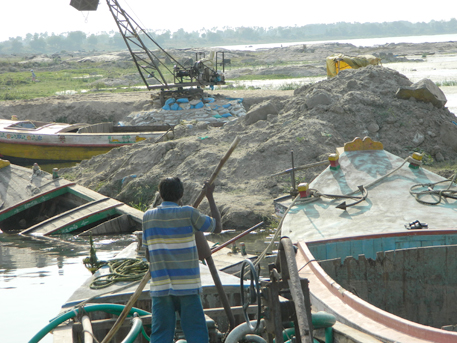 Supreme Court refuses to lift stay on sand mining in Andhra Pradesh
