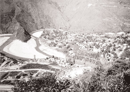 After the completion of the dam, the area in the Tehri foothills, where the Bhagirathi and Bhilangana rivers meet, will be submerged