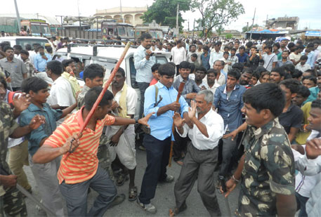 Telangana: farmers' protest against erratic power supply turns violent