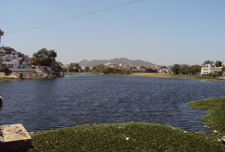 Buildings close in on Fateh Sagar lake in Udaipur