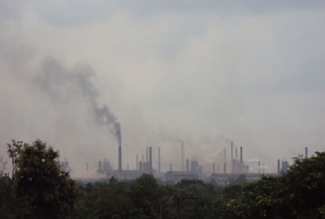 Alarming levels of air emissions were observed in Bhilai Steel Plant in 2011 (CSE file photo)