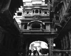 Besieged: the Jaisalmer fort<