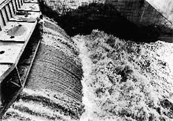 Panel on dams