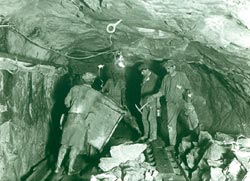 Gold being mined from Witwater