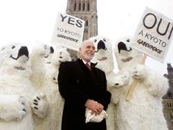 Canada ratifies Kyoto pact