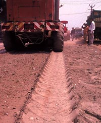 Road being built using fujibe (Credit: Surya Sen / CSE)