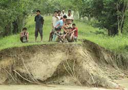 Assam flood worsens, 15,000 hit